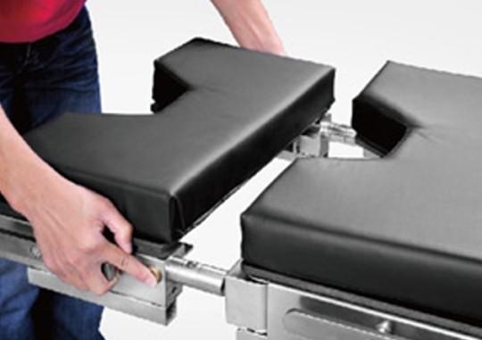 Sitzplattenverlängerung mit seitlichen Normschienen und Kassettenhalter